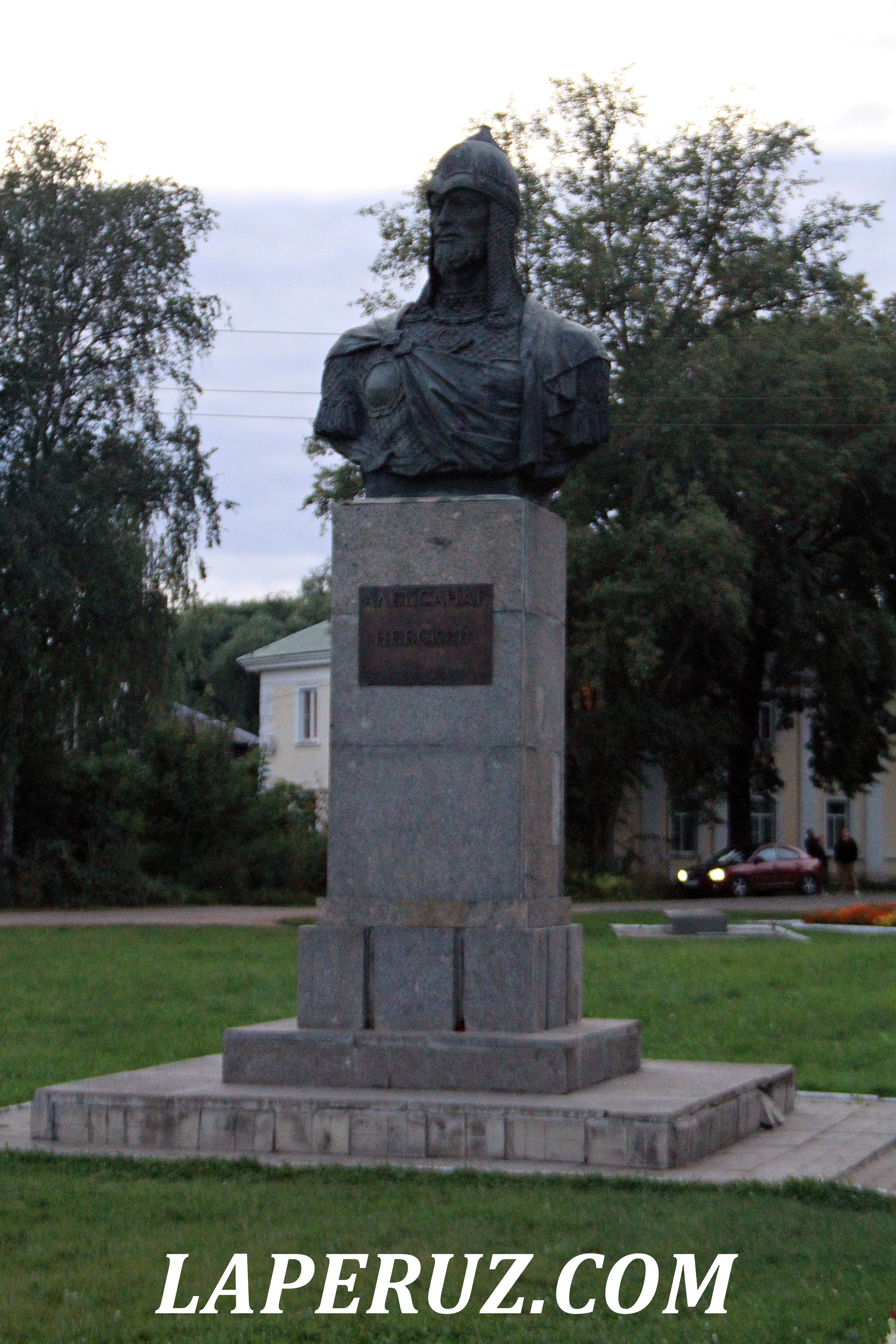 pamyatnik_nevskomu_pereslavl_2