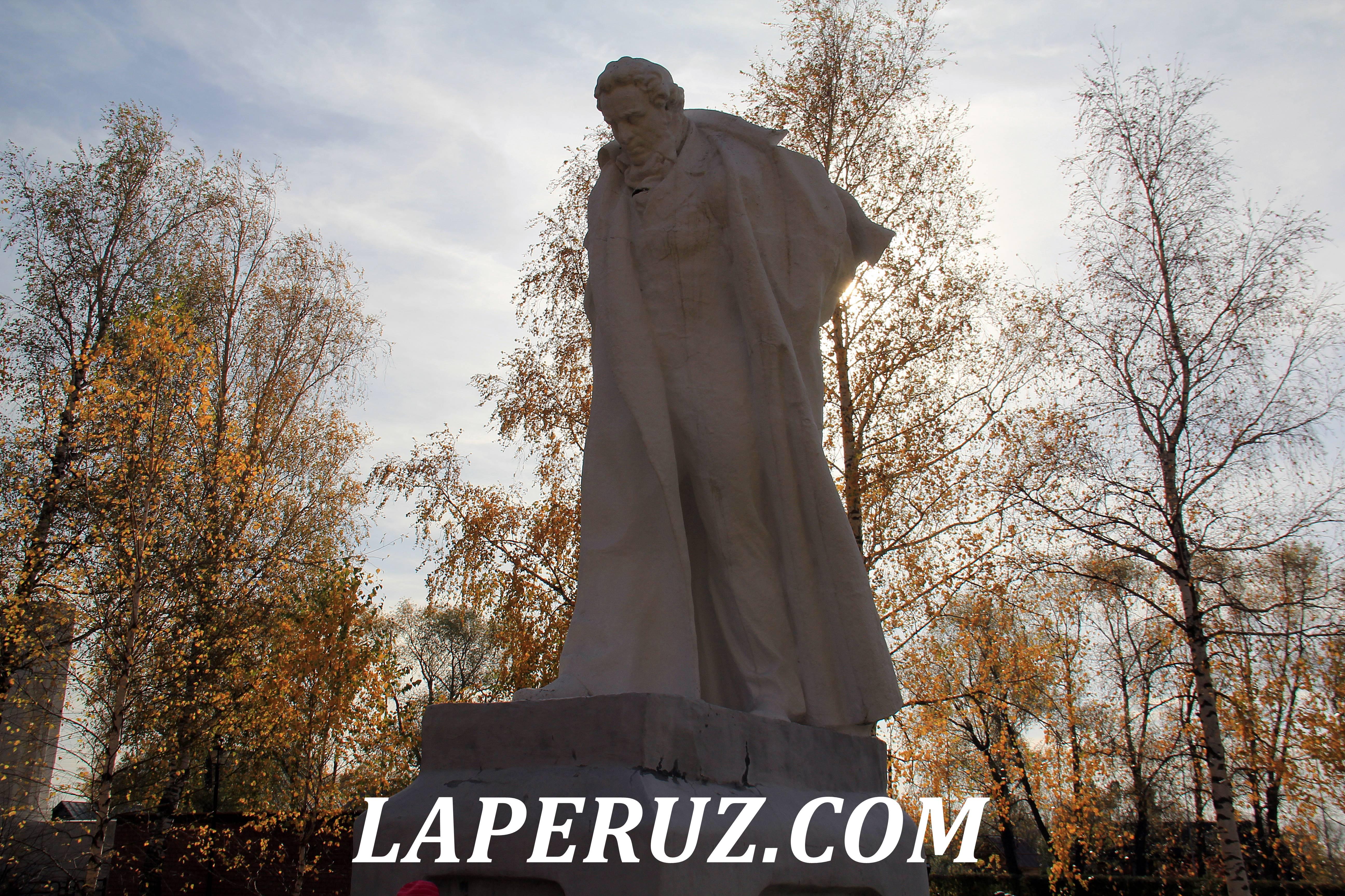 pamyatnik_pushkinu_merkurova_1