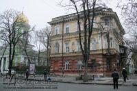 В Одессе с памятника архитектуры обвалилась штукатурка