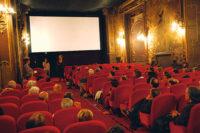В Париже продали имущество кинотеатра La Pagode