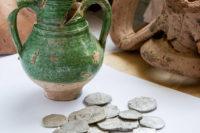 При строительстве моста в Крым обнаружен клад испанских монет
