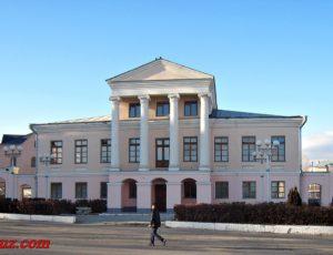 Дом городского головы Струкова — Мельникова (Детская школа искусств №5) – Вольск, площадь Свободы, 13