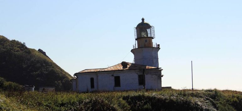 Сахалинское правительство может профинансировать ремонт маяка Жонкиер