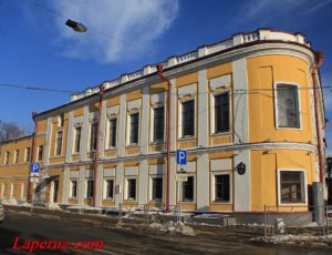 Главный дом городской усадьбы Урванцовых — Казань, улица Карла Маркса, 11