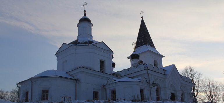 Храм Воскресения Христова — Таруса, улица Ефремова, 7