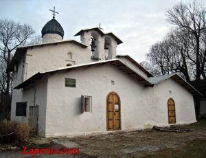 Церковь Покрова и Рождества от Пролома — Псков, улица Свердлова, 1