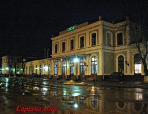 Железнодорожный вокзал Псков-Пассажирский — Псков, улица Вокзальная, 23