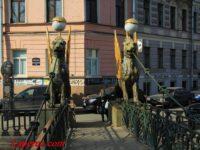 Грифонов с Банковского моста покрасят в новый цвет