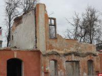 Во Пскове частично разрушен памятник архитектуры