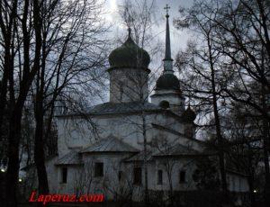 Церковь святой великомученицы Анастасии Узорешительницы — Псков, Октябрьский проспект, 9