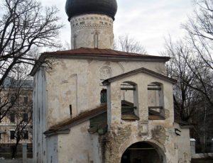 Церковь Георгия со Взвоза — Псков, улица Георгиевская, 1