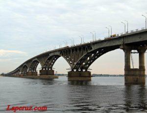Мост «Саратов-Энгельс»: горбатая звезда советского кино