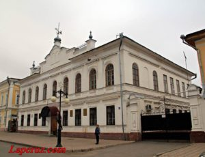 Уездное и женское училища — Елабуга, улица Казанская, 23