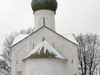 Церковь двенадцати апостолов на Пропастех — Великий Новгород, улица Десятинная, 4А