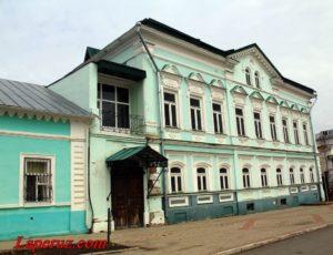 Уездное училище — Елабуга, улица Большая Покровская, 9