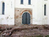 В Великом Новгороде продолжат раскопки старинных церквей
