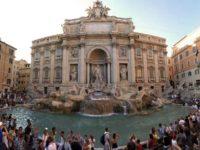 Пребывание возле римского фонтана Треви могут ограничить