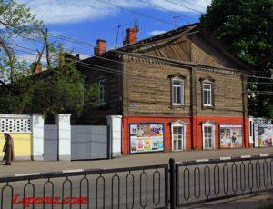 Здание больницы и общежития — Саратов, улица Московская, 153А