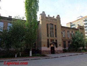 Торговая школа (Институт искусств Саратовского государственного университета) — Саратов, улица Заулошнова, 5