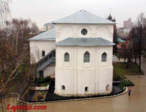 Трапезная с церковью Рождества Христова — Спасо-Преображенский монастырь в Ярославле