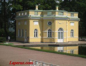 Павильон «Верхняя ванна» — Екатерининский парк, Царское село