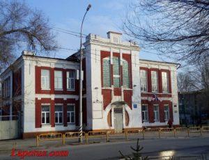 Народное училище (Средняя школа №1) — Саратов, улица Степана Разина, 32
