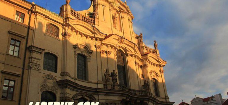 Костёл святого Николая (Kostel svatého Mikuláše) — Прага, Malostranské náměstí