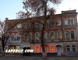 Главный дом усадьбы Е.Я. Корнеевой — Саратов, улица Яблочкова, 7