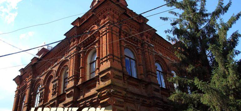 Административное здание (Центр детского творчества) — Аткарск, улица Советская, 66