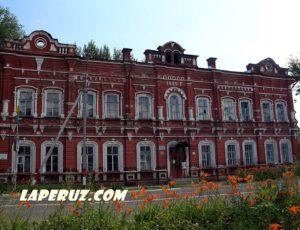 Духовное училище (ДЮСШ) — Петровск, улица Советская, 73