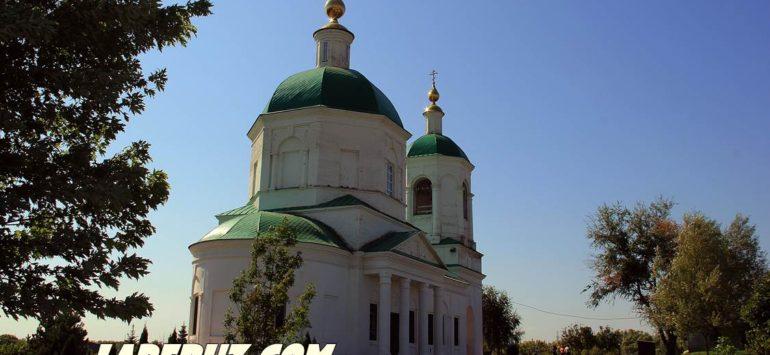 Храм и родник в саратовской Михайловке