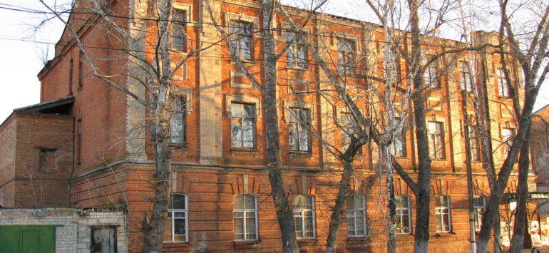 Земская больница — Петровск, улица Володарского, 1