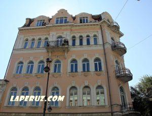Доходный дом И.В. Мешкова — Владивосток, улица Светланская, 14