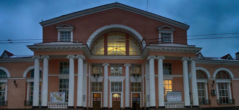 Железнодорожный вокзал Брянск-Орловский — Брянск, улица Речная, 2А