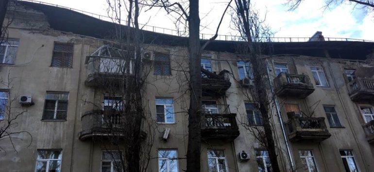 В Саратове обрушился фасад памятника архитектуры