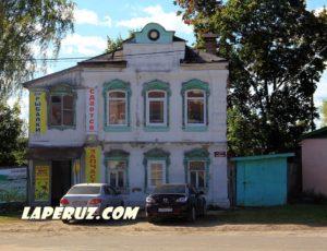 Жилой дом А.И. Черственкова с лавкой — Лух, улица Горького, 3
