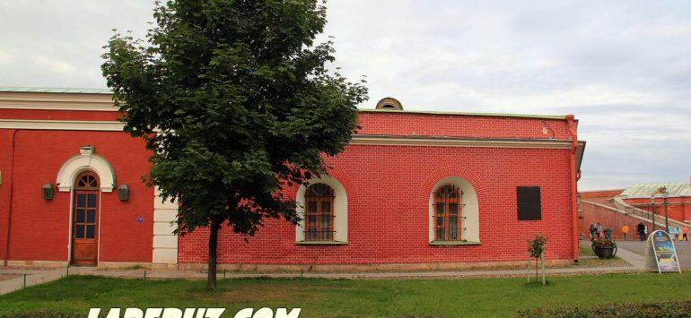 Меншиков бастион — Петропавловская крепость