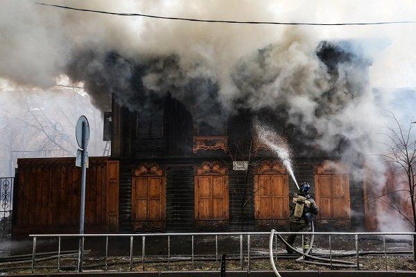 В Тюмени загорелся памятник архитектуры