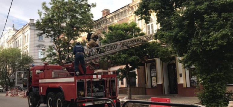 В астраханском гостином доме произошёл пожар