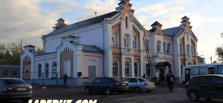 Железнодорожный вокзал (Автостанция «Кинешма») — Кинешма, улица Островского, 33А