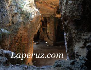 Пафос — в город ремесленников и катакомбы