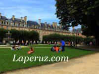 Площадь Вогезов: дом Гюго, конный Людовик и рыцарский турнир в центре Парижа