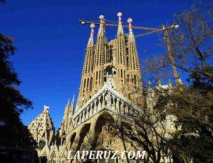 Саграда Фамилия. Главная достопримечательность Барселоны