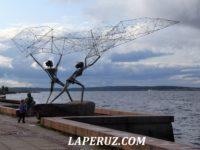 Онежская набережная. Рыбаки и пушки Петрозаводска