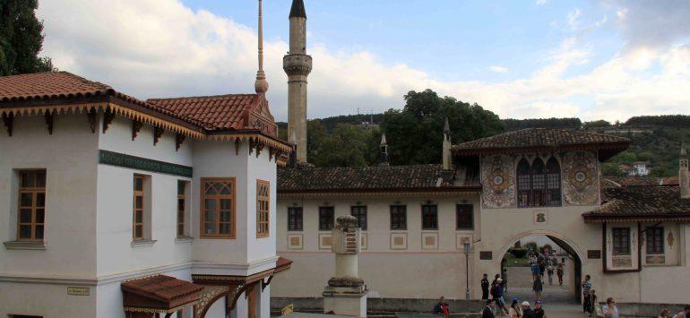 В Хан-Сарай в Бахчисарай