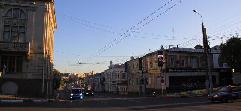 Проспект Ленина в Иванове. Циклопический драмтеатр, вкрапления конструктивизма и скопище музеев