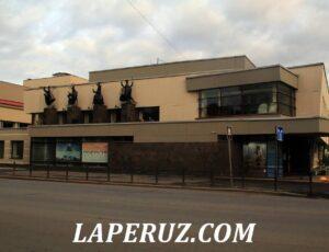 Центр Петрозаводска: минералы, Киров и первая железная дорога России